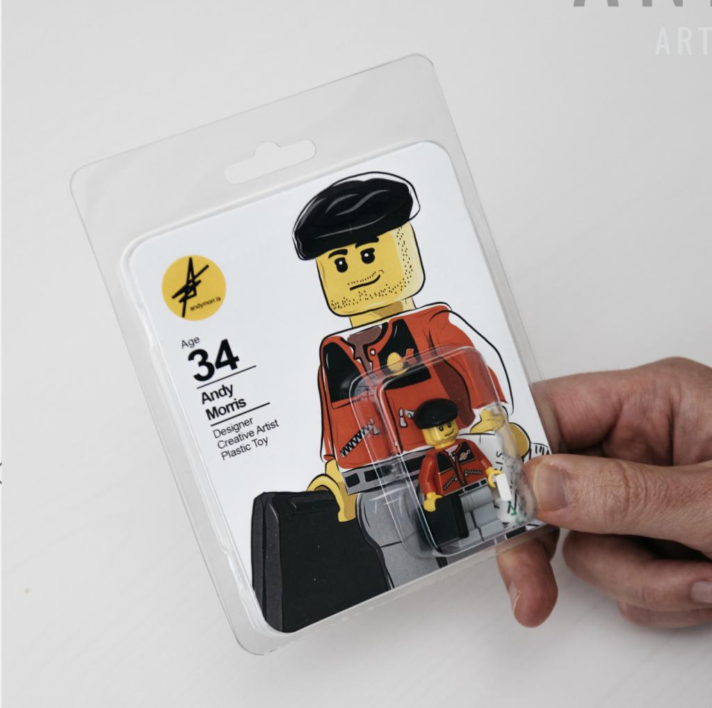 curriculum con un muñeco de lego